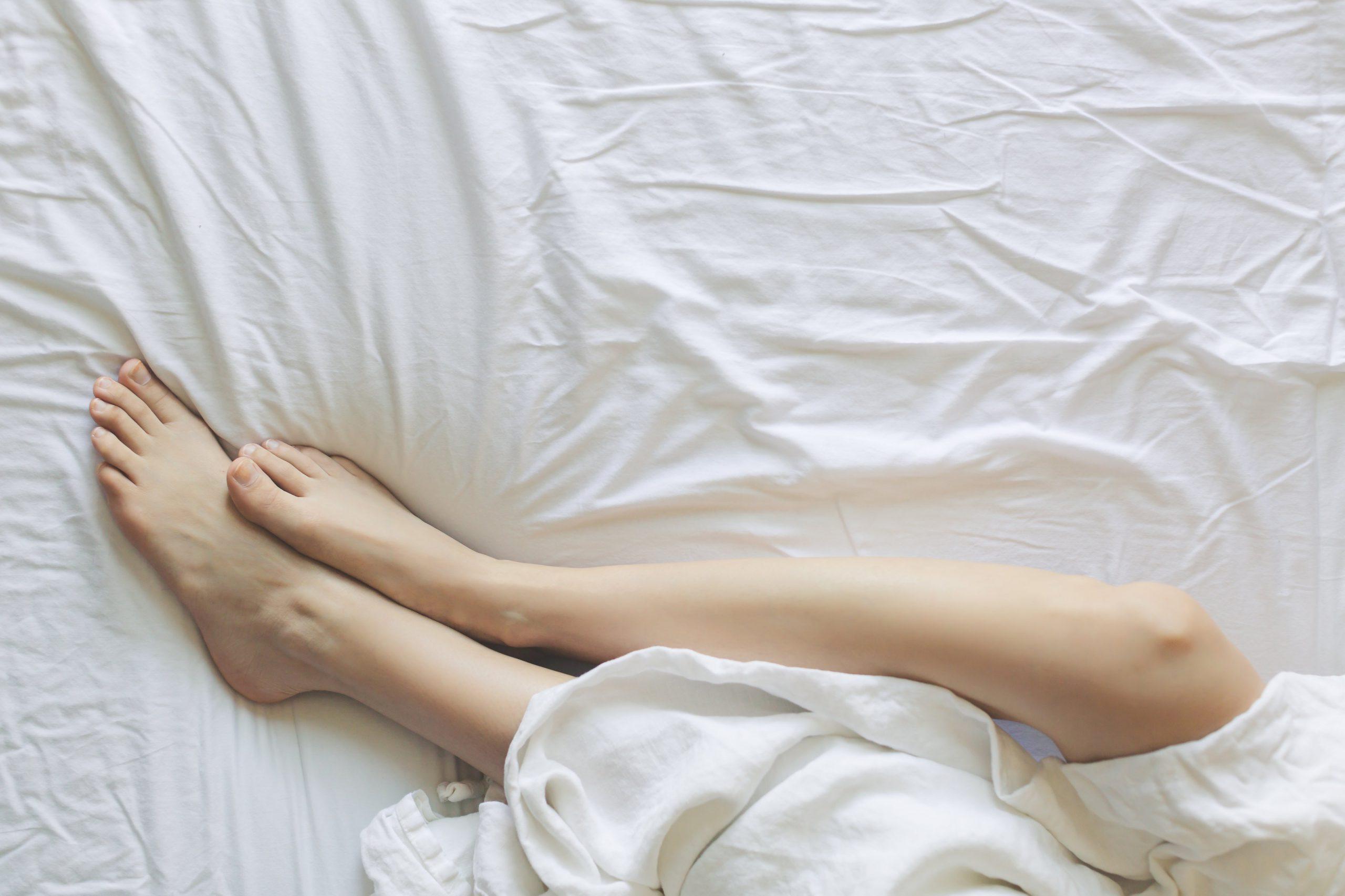 bed-bedroom-blanket-comfort-545015